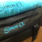 Gaveide taske og håndklæde med navnebroderi