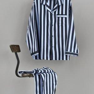 Pyjamassæt med brodering